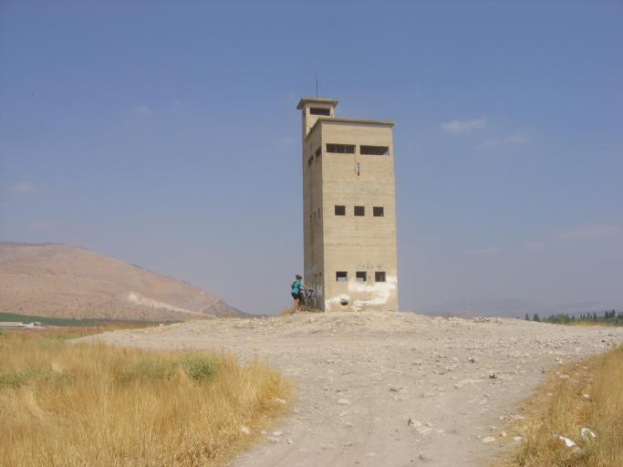 מצפה השלושה על תל שוכה- צילום: שאולי