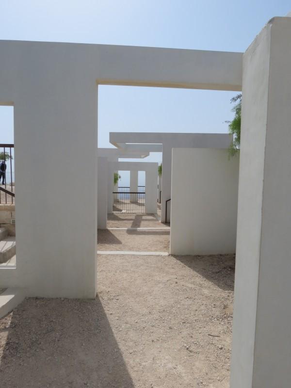 ״חלונות״ מרפסת ים המלח