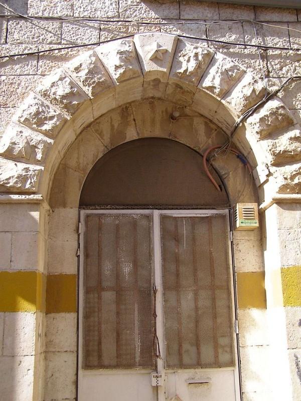 שער הכניסה המקורי בחזית שפנתה לרחוב יפו צילום: Ranbar