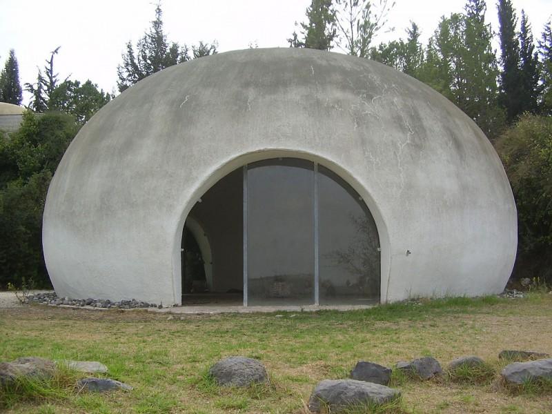 בית הדומיה (סקינה) בנווה שלום. הבית משמש להתבוננות ותפילה שקטה צילום: Avi1111 dr. avishai teicher