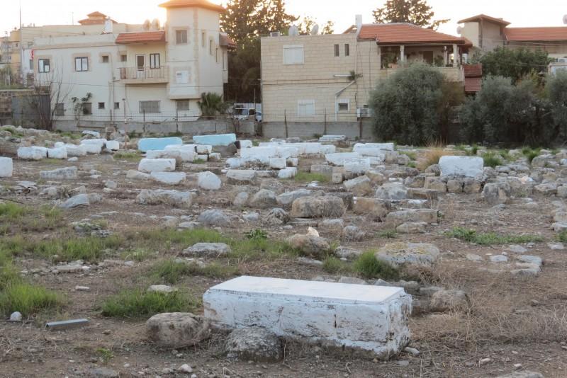 בית הקברות בכפר יאסיף