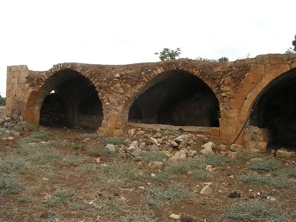 חורבות החאן (?) ליד כפר חנניה