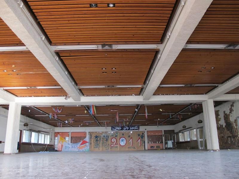 אולם חדר האוכל הנטוש, 2013 צילום:מיכאל יעקובסון