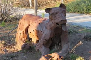 פסל - יופ דה יונג ליד בקתות הנופש של מרום גולן