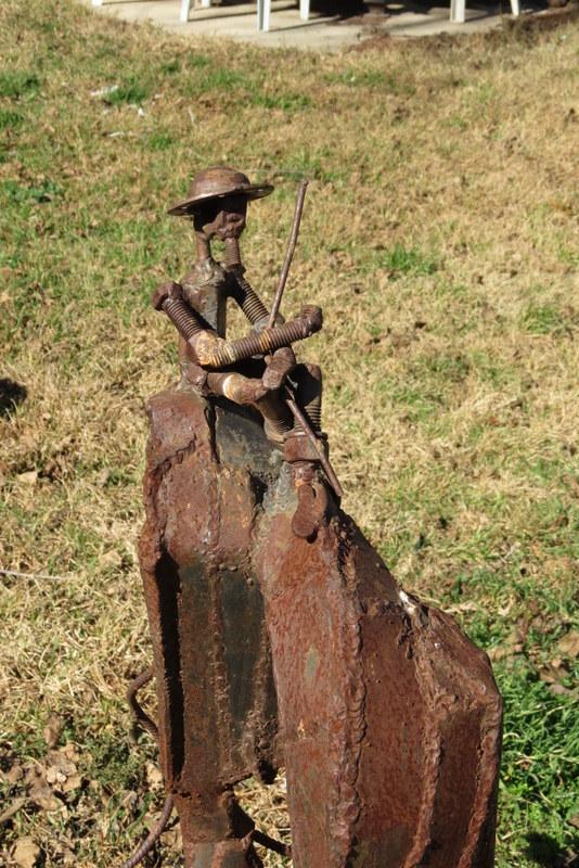 פסל - יופ דה יונג