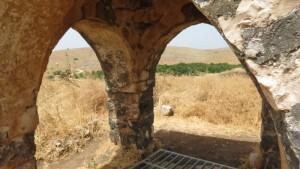 הבור והכיפה של ג׳יוב יוסף