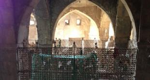 קבר של נחום הנביא   *